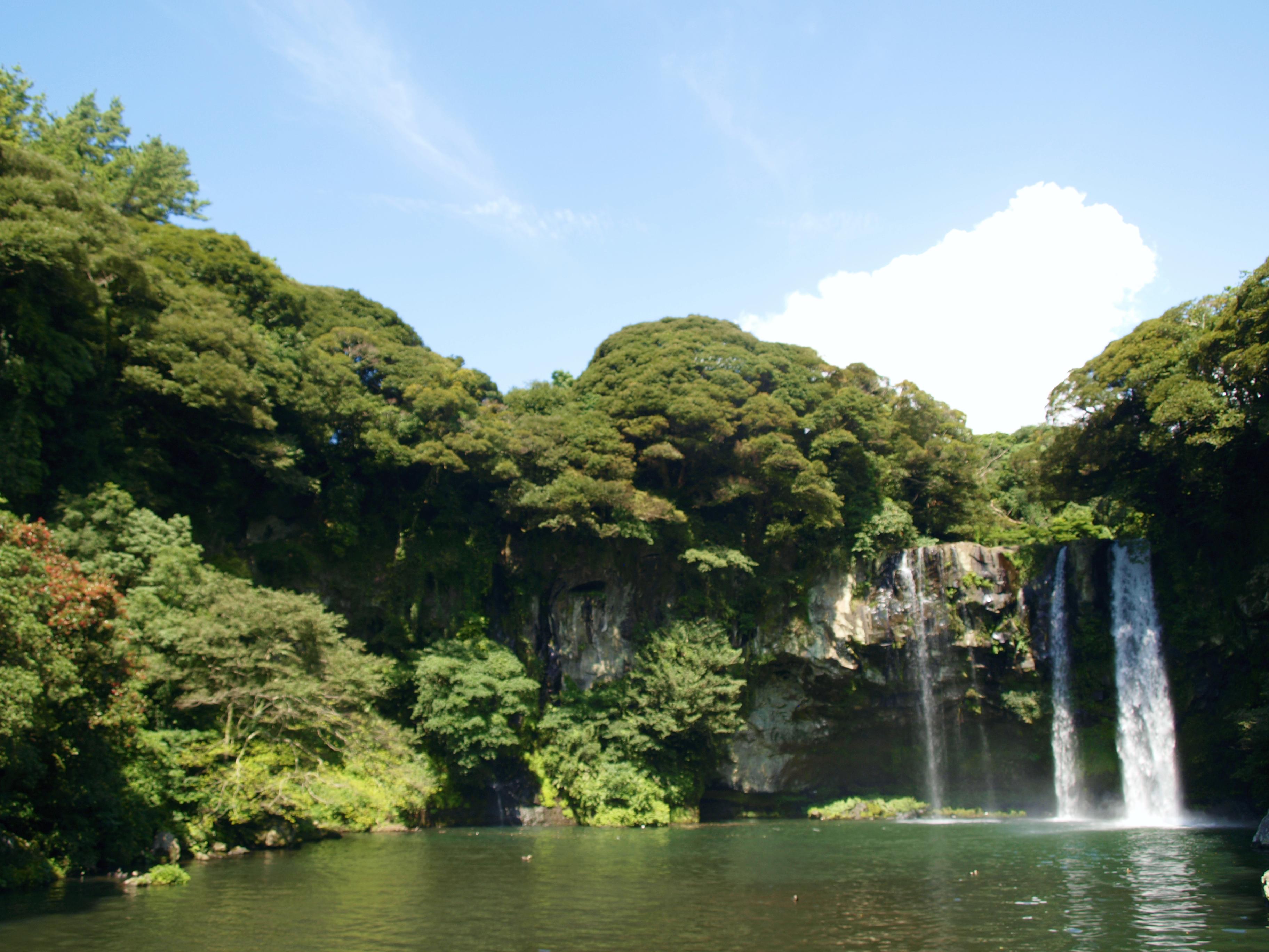 Cascada Cheonjiyeon por Nuria F.